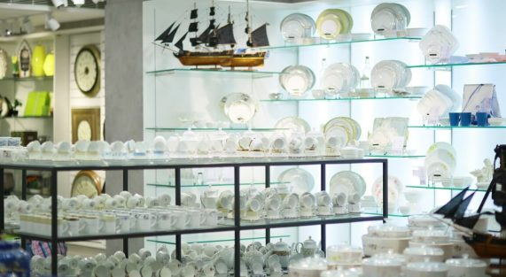 Explore the largest collection of Crockery at Darpan Furnishings